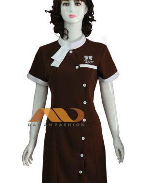 Đồng phục spa đầm nâu viền trắng AS0135