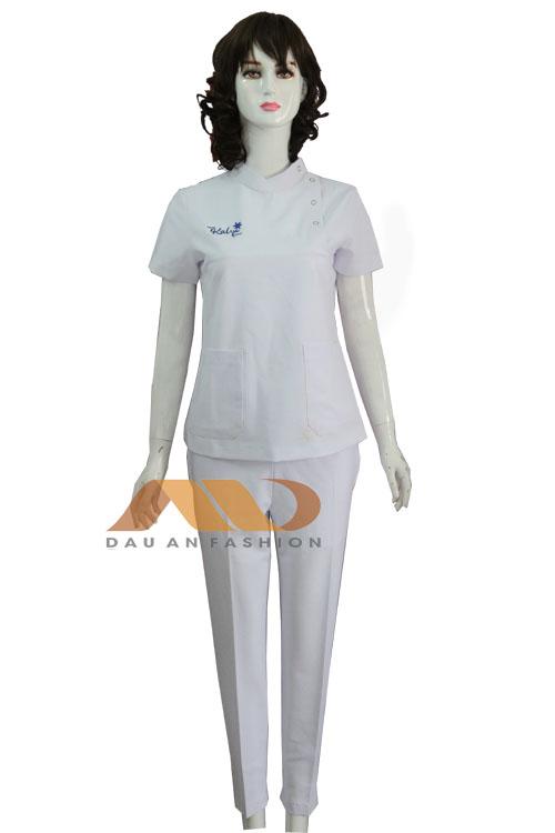 Đồng phục spa trắng nút bấm qs0099
