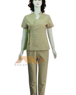 Đồng phục spa màu kem vạt chéo qs0065