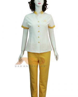 Đồng phục spa trắng vàng đính khuy