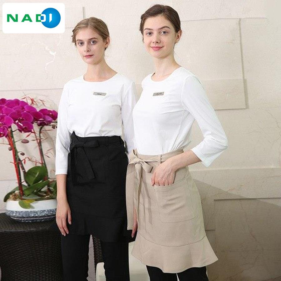 Nhắc đến mẫu đồng phục cho spa đẹp nhất định không được bỏ lỡ kiểu đồng phục cổ tròn.