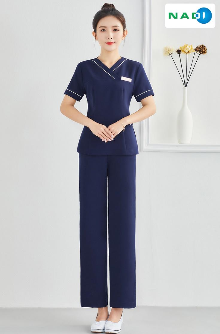 Nếu mở ra cuộc bình chọn đồng phục cho spa đẹp nhất tại Nadi thì chắc chắn sản phẩm đồng phục cổ V sẽ được nhiều phiếu bầu yêu thích nhất!