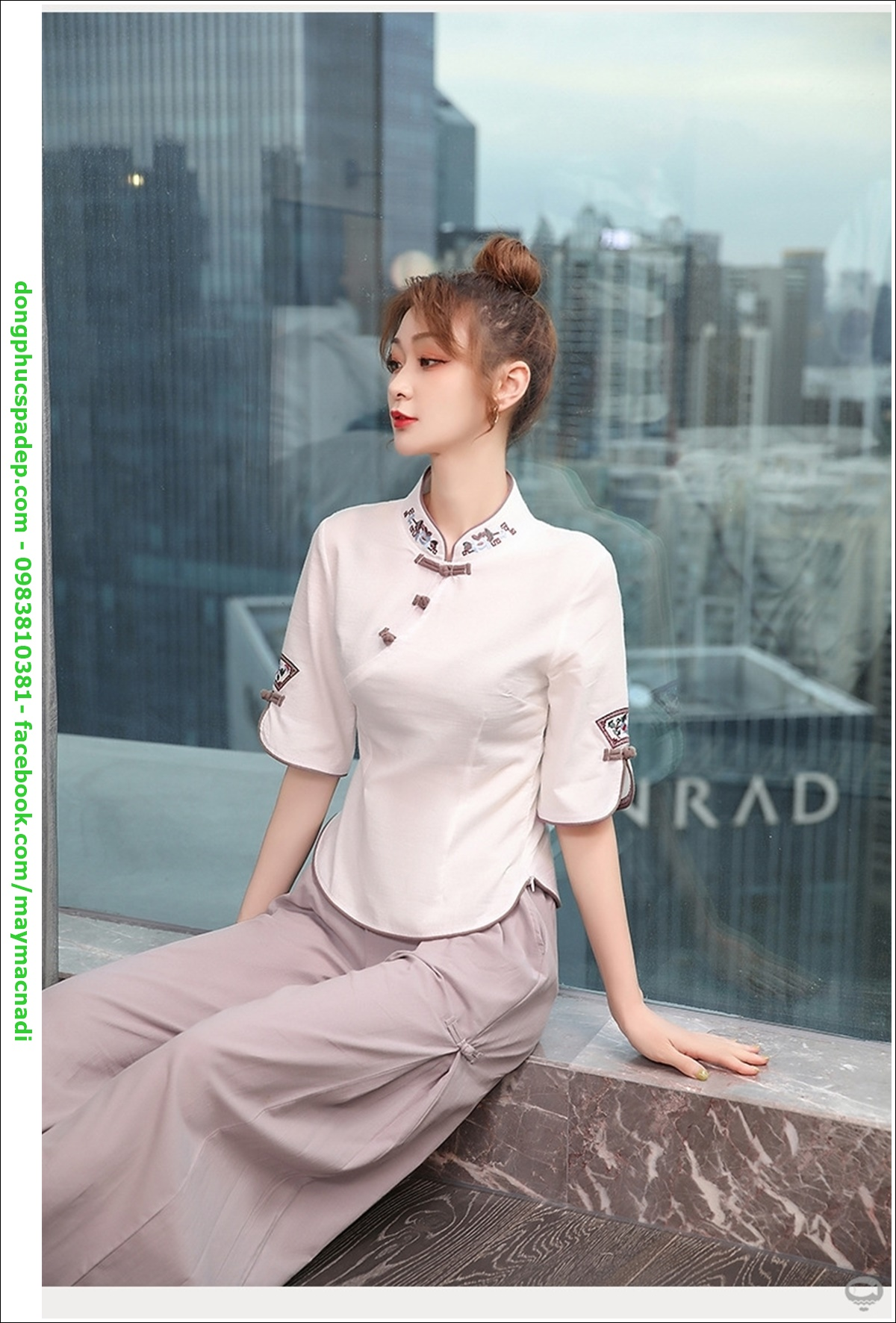 Mẫu đồng phục spa thoải mái cổ tròn với đa dạng kiểu dáng rất được lòng khách hàng.