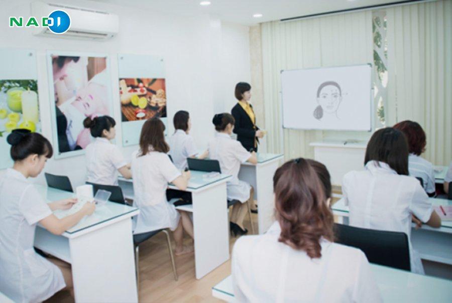 Khoá học kinh doanh spa trang bị kiến thức cho các học viên