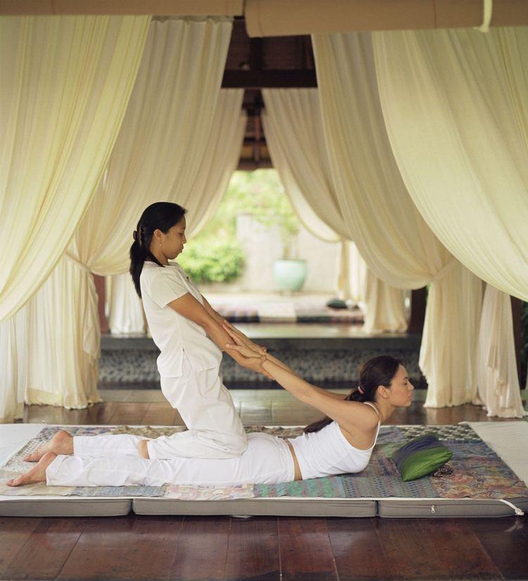 Phương pháp massage bấm huyệt cổ truyền Thái mang trong mình văn hoá mộc mạc, giản dị như tính cách của con người nơi đây. Chắc chắn loại hình kinh doanh spa kiểu này sẽ được rất nhiều quý khách hàng đón nhận.