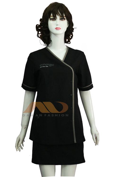 100% sản xuất tại xưởng, trọn gói các khâu: thiết kế, may, in, thêu. Nên hầu hết các mẫu mã đồng phục tại Nadi đều có chất lượng tốt và giá cả hợp lý